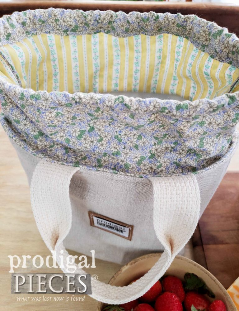 Linen and Lavender Flower Insulated Lunch Bag | shop.prodigalpieces.com