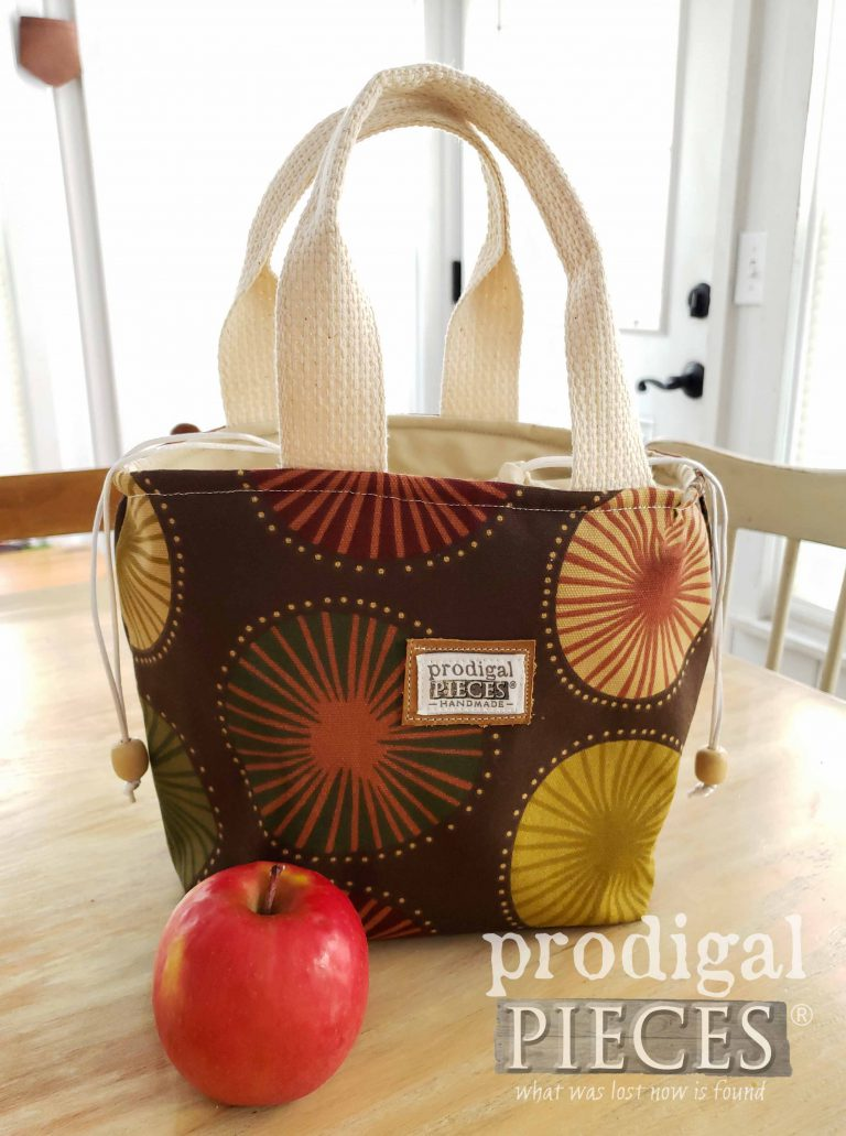 Handmade Brown Starburst Insulated Lunch Bag by Larissa of Prodigal Pieces | Several style available at shop.prodigalpieces.com #prodigalpieces #handmade #fashion #shopping #style #bag #lunch
