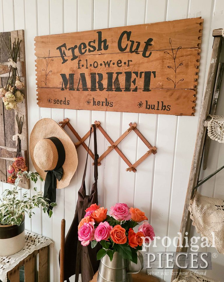 Repurposed Drawer into Flower Sign by Larissa of Prodigal Pieces | shop.prodigalpieces.com