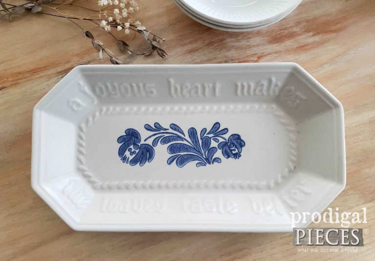 Vintage Pfaltzgraff Bread Platter in Yorktown Pattern | available at shop.prodigalpieces.com #prodigalpieces #shopping #vintage #pfaltzgraff