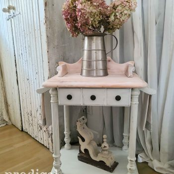 Vintage Farmhouse Wash Stand with Towels available at Prodigal Pieces | shop.prodigalpieces.com #prodigalpieces #shopping #farmhouse #furniture #vintage